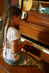 learning piano at home